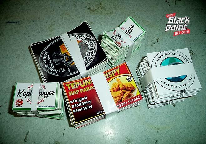 Blackpaint Art ini merupakan salah satu tempat cetak label produk di Pekanbaru lho.